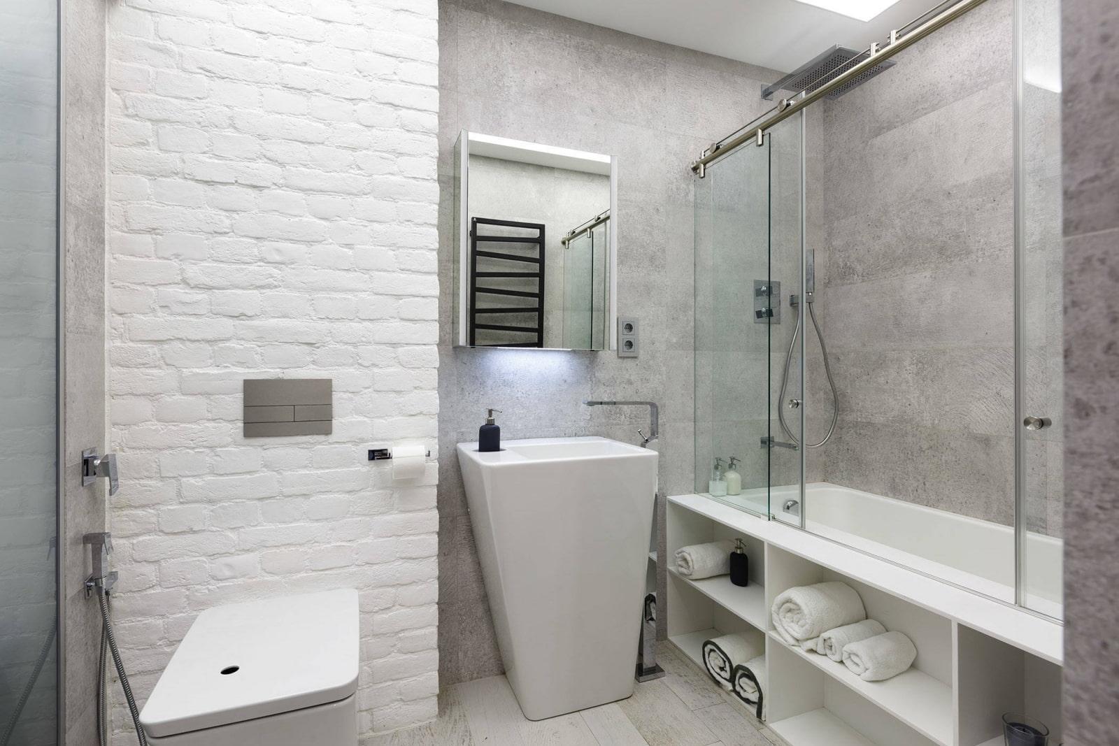 полки в ванной комнате белые