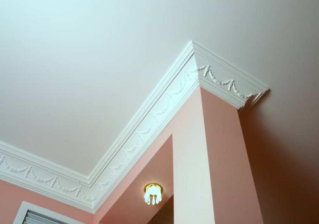 потолочный плинтус для натяжного потолка