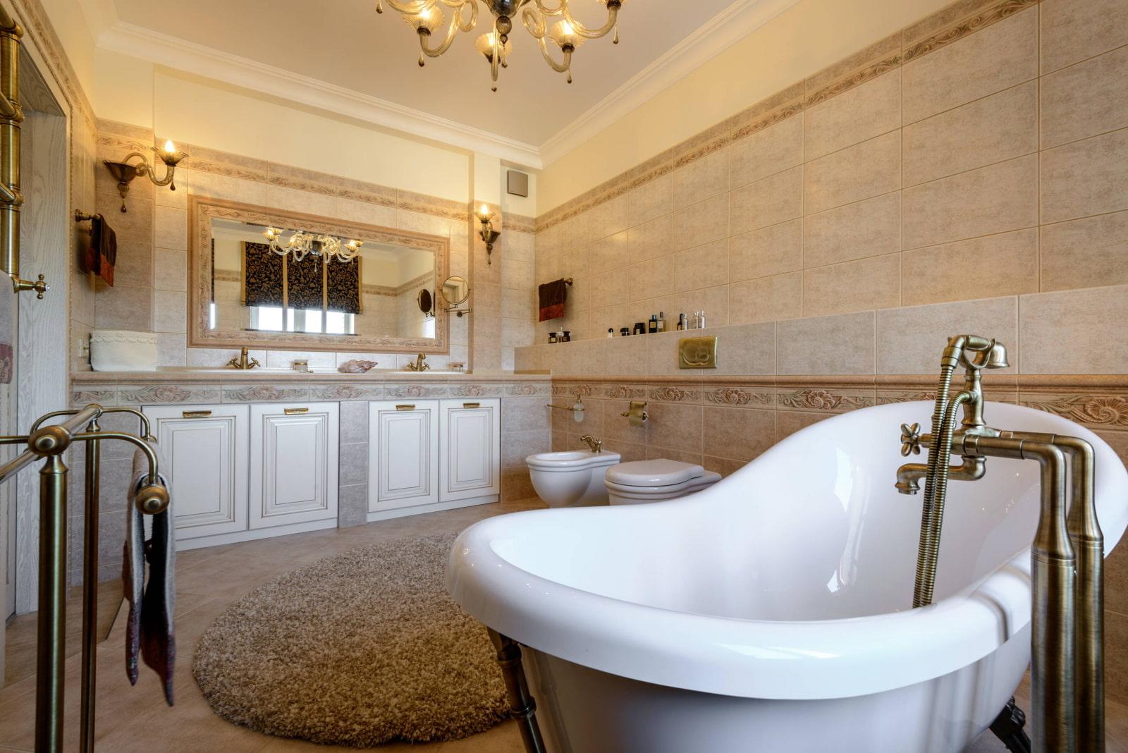 ванная комната в классическом стиле отделка потолка