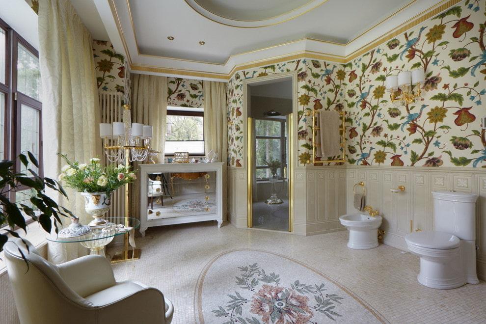 ванная комната в классическом стиле с обоями
