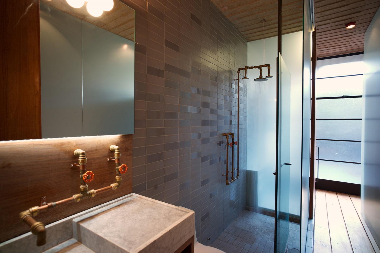 ванная комната в стиле лофт сантехника