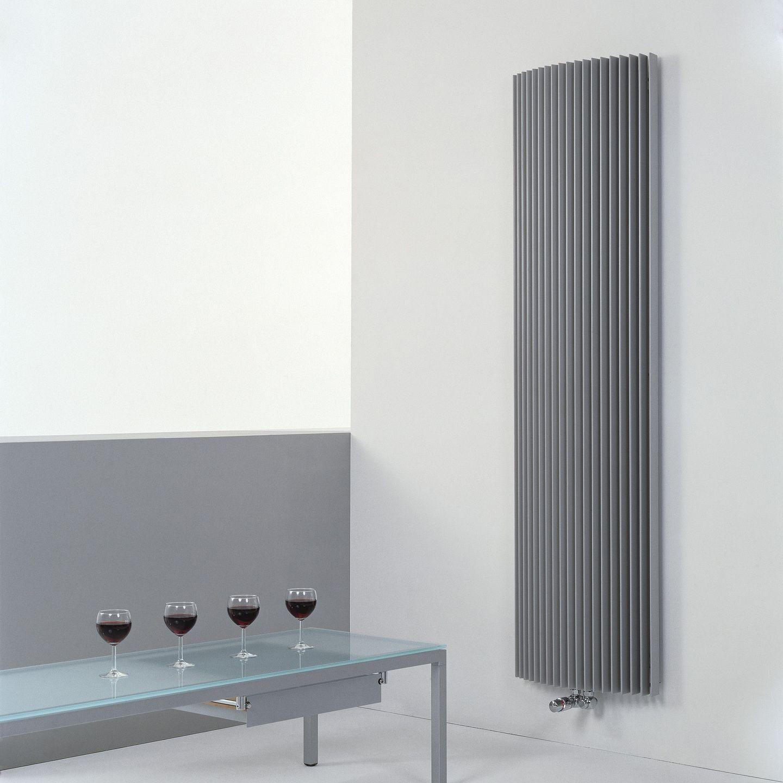 вертикальный радиатор отопления дизайнерский