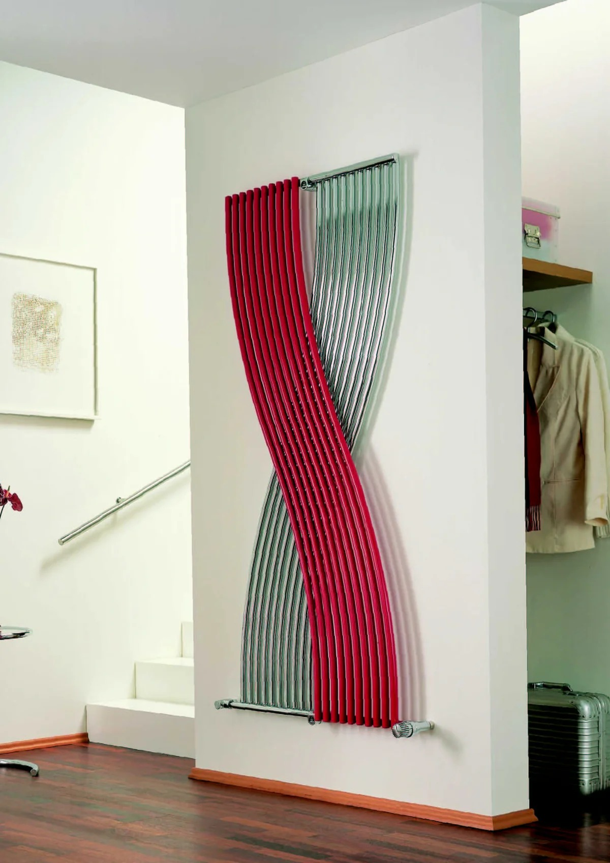вертикальный радиатор отопления необычный дизайн