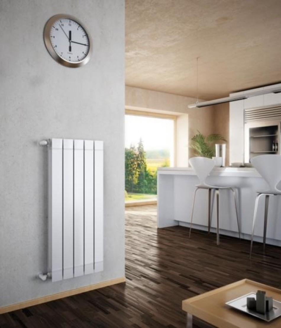 вертикальный радиатор отопления в интерьере